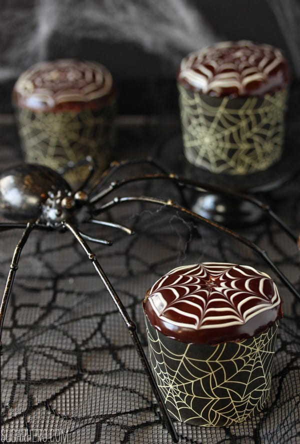 spiderweb-cupcakes